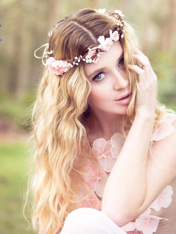 trenzas y flores son esta eleccin excelente en estos peinados para fiestas de quince aos