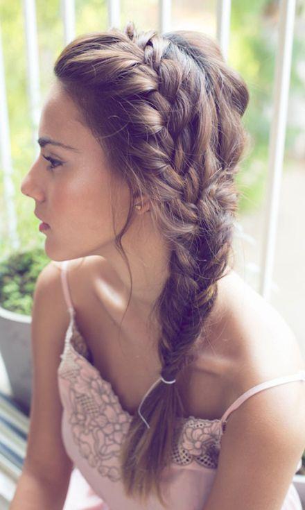 hermoso peinado semi recogido con trenza