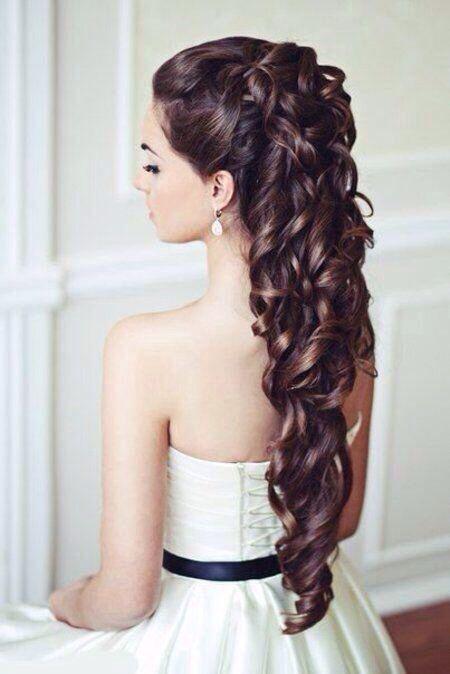 muchos rulos para un cabello de fiesta