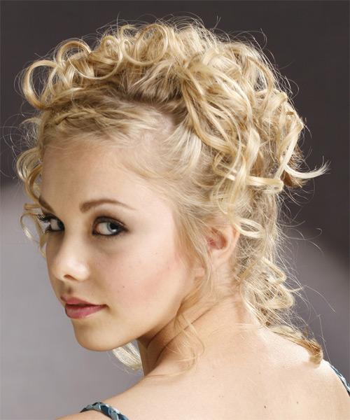 recogido informal para chicas jvenes cabellos rizados - Recogidos Informales Pelo Rizado