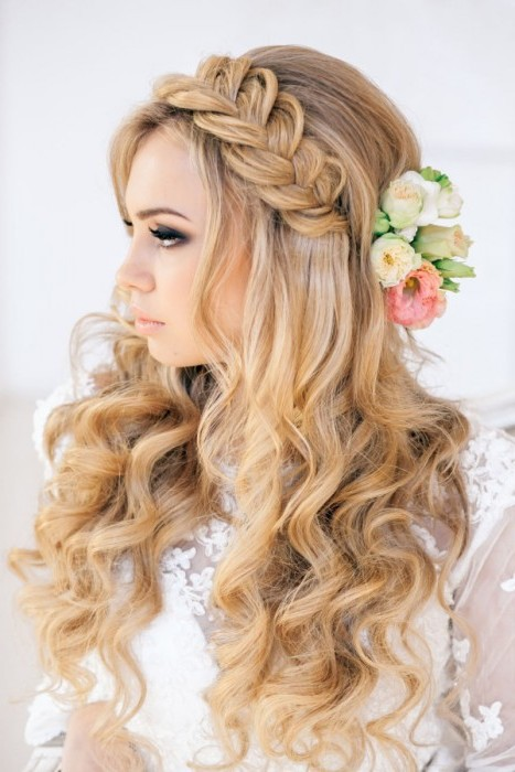Peinados de novia sueltos con trenzas