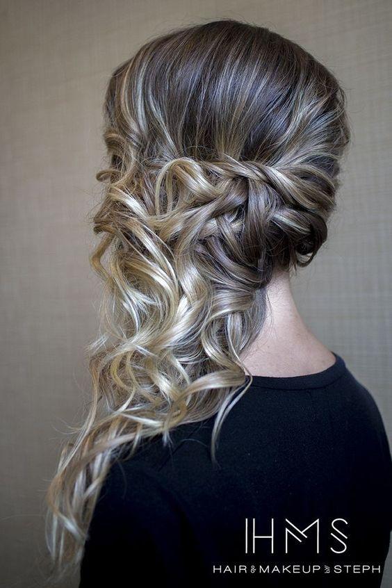 Peinados de lado semirecogidos con ondas bucles y for Medio recogido con trenzas