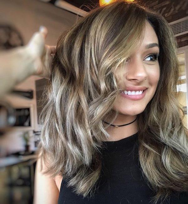 2. Corte de pelo de media melena para las rubias